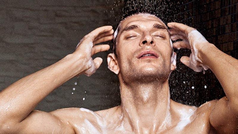 Chọn dầu gội đầu phù hợp, tưởng dễ nhưng không hề! – ELLE Man