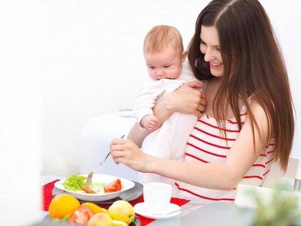 Thực đơn cho mẹ sau sinh: Ăn gì vừa lợi sữa nhưng không tăng cân?