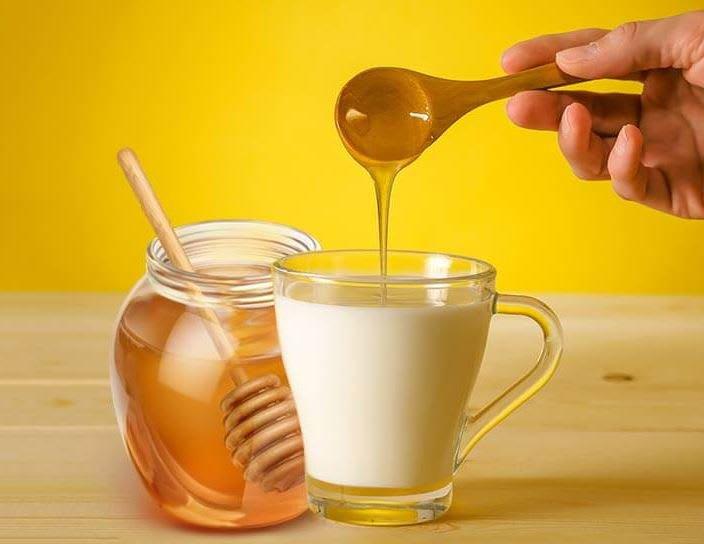 Có nên trộn mật ong với sữa?   Vinmec