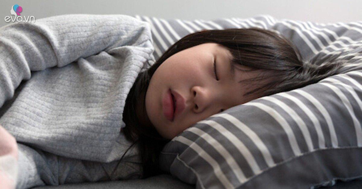 Giờ đi ngủ giúp trẻ tăng chiều cao vù vù lại khỏe mạnh, các mẹ nên thực hiện cho con